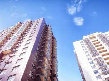 Комплекс включает две 20-этажные башни